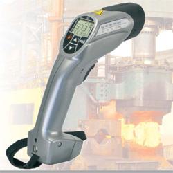 高精度红外线测温仪IGA 15 plus